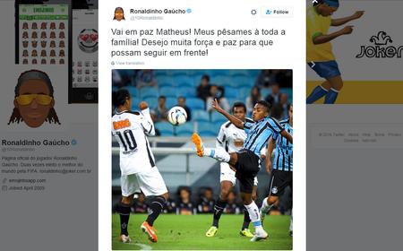 Ronaldinho Gaúcho Twitter Grêmio (Foto: Reprodução)