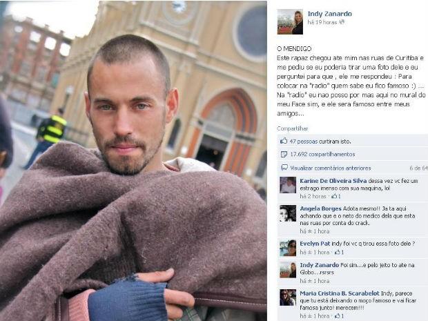 Mendigo foi fotografado em frente a Catedral de Curitiba (Foto: Reprodução / Internet)