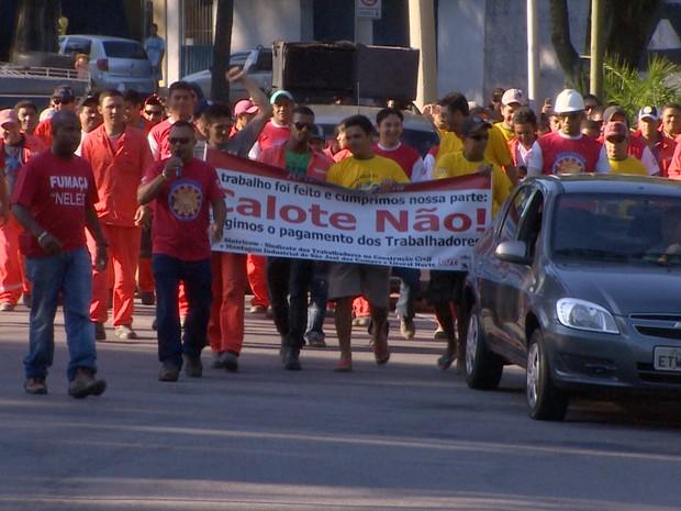 Protesto Amir São José dos Campos (Foto: Reprodução/TV Vanguarda)
