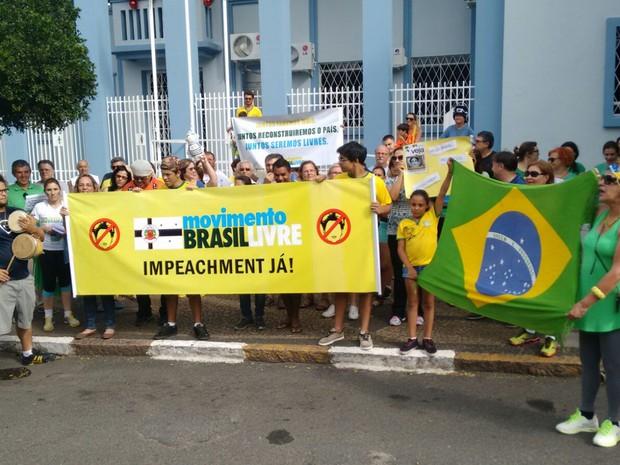 Grupo se reuniu na Praça da Matrix, em Itu (Foto: Moisés Soares/TV TEM)