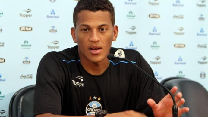 Wesley, atacante do Goiás (Foto: Lucas Uebel/Grêmio)