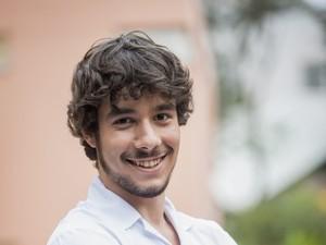 Vitor Novello é Luan, aluno do Colégio Leal Brazil, na nova temporada de Malhação (Foto: João Cotta / TV Globo)