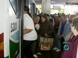Passagem passa a custar R$ 3,15 a inteira e R$ 1,58 a meia (Foto: Reprodução/RPC)