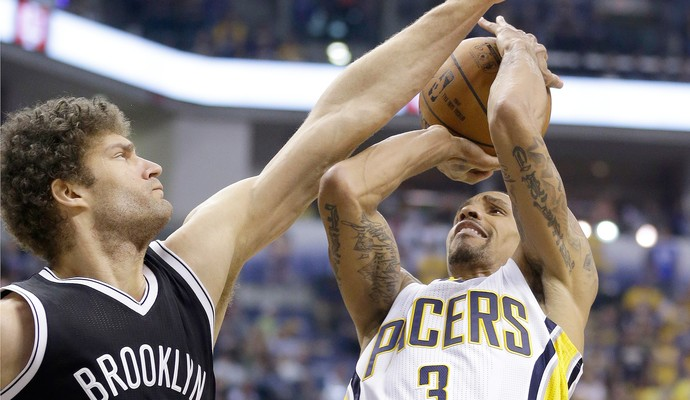 Brook Lopez e George Hill, Brooklyn Nets x Indiana Pacers NBA (Foto: AP)