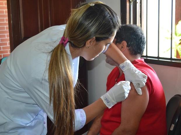Vacina contra a gripe continua sendo aplicada na cidade (Foto: Horácio CF Zone / Divulgação)