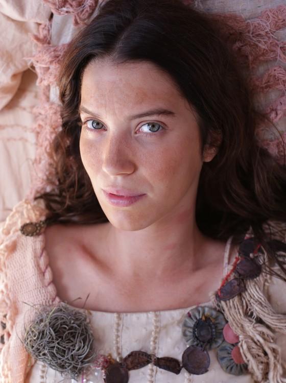 Nathalia Dill: jornada dupla na TV e papel no cinema  (Foto: Marcinho Nunes)