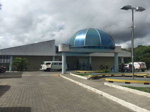 Suspeito foi levado para Hospital de Base, em Itabuna  (Foto: Francisco Lopes / TV Santa Cruz)