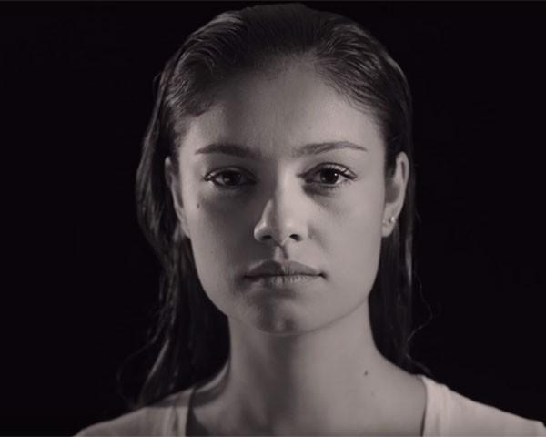 Sophie Charlotte no clipe de Ana Cañas (Foto: Reprodução Youtube)
