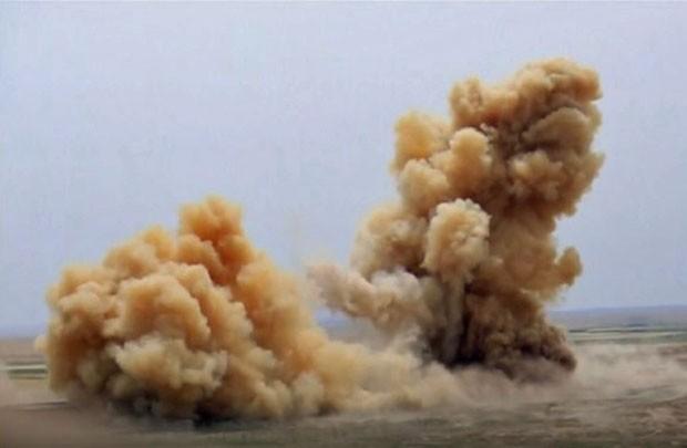 Vídeo divulgado pelo Estado Islâmico mostra destruição ao templo de Nabu, de mais de 3 mil anos (Foto: Reprodução/Reuters)