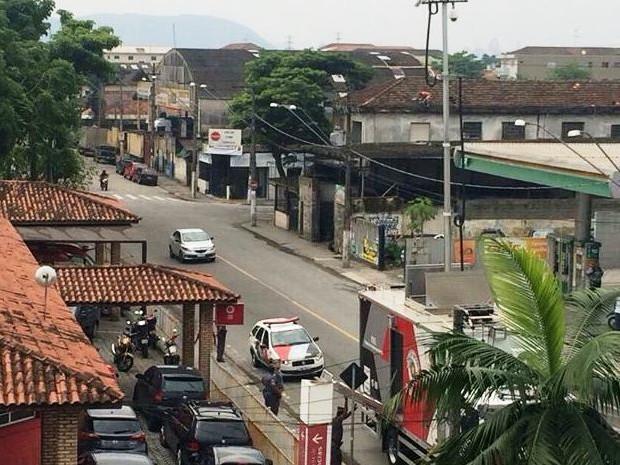 Equipamentos de alta tecnologia da PM ajudam no monitoramento de áreas em Cubatão (Foto: Solange Freitas/G1)