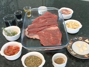 Ingredientes da Carne Suculenta (Foto: Reprodução/TV Grande Rio)