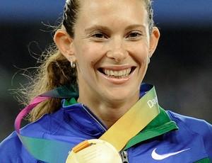 Fabiana murer campeã mundial daegu salto com vara medalha (Foto: Agência AP)