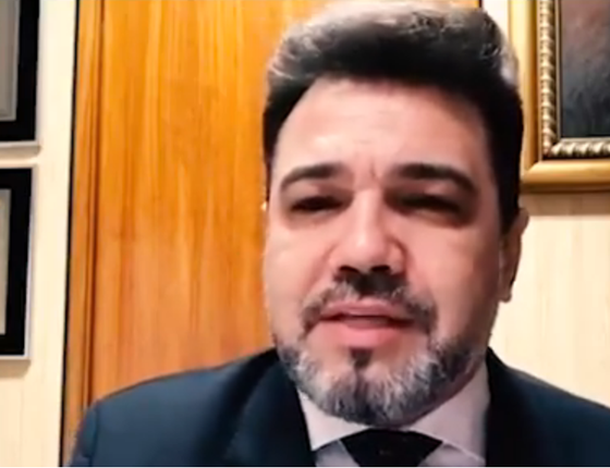 O deputado Marco Feliciano (PSC-SP) criticou a Avon em vídeo postado no Facebook (Foto: Reprodução)