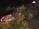 Acidente entre van e carro deixa uma pessoa morta e quatro feridas no PR