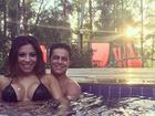 Thammy Miranda curte Dia dos Namorados na piscina: 'Muito amor'