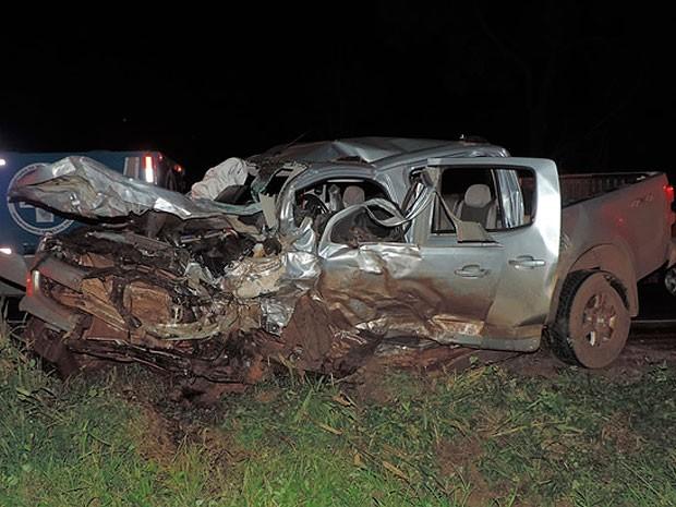 O outro carro, também envolvido no acidente ficou destruído no acidente no oeste da Bahia.  (Foto: Sigi Vilares/Blog do Sigi Vilares)