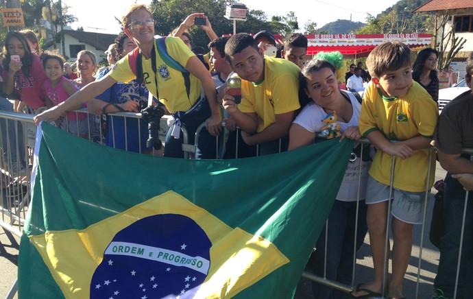 torcida onibus seleção brasileira (Foto: Christiane Mussi)