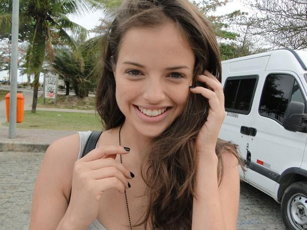 Agatha Moreira está animada com nova atitude de Ju (Foto: Malhação / Tv Globo)