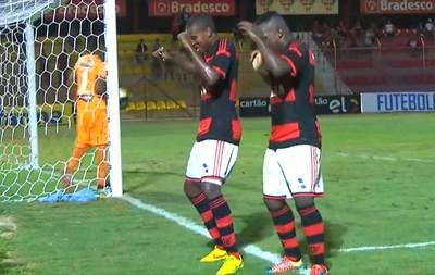 Jajá comemora gol do Flamengo contra o Sampaio Correa, Copinha (Foto: Reprodução )
