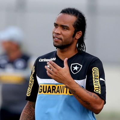 Carlos Alberto treino botafogo (Foto: Satiro Sodré / SS Press)