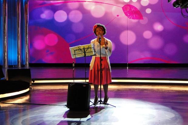 Jesuton mostrou que tem talento e cantou ao vivo no palco do Caldeirão  (Foto: Caldeirão do Huck / TV Globo)