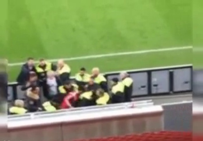 Spahic Bayer Leverkusen agressão