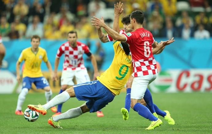 Fred Pênalti Brasil x Croácia Copa do Mundo (Foto: Marcos Ribolli)