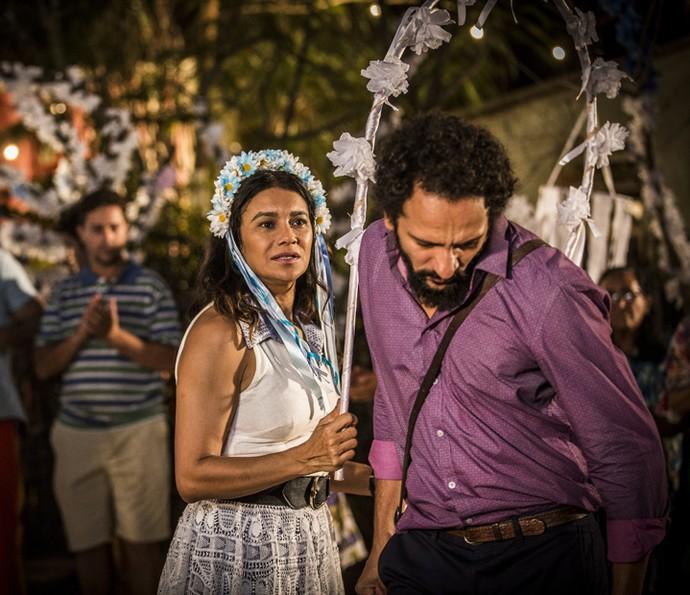 Bento se envergonha da atitude que teve diante de Beatriz (Foto: Inácio Moraes/ Gshow)