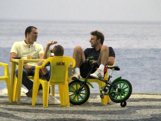 Cassio Reis e o Filho (Foto: Daniel Delmiro)