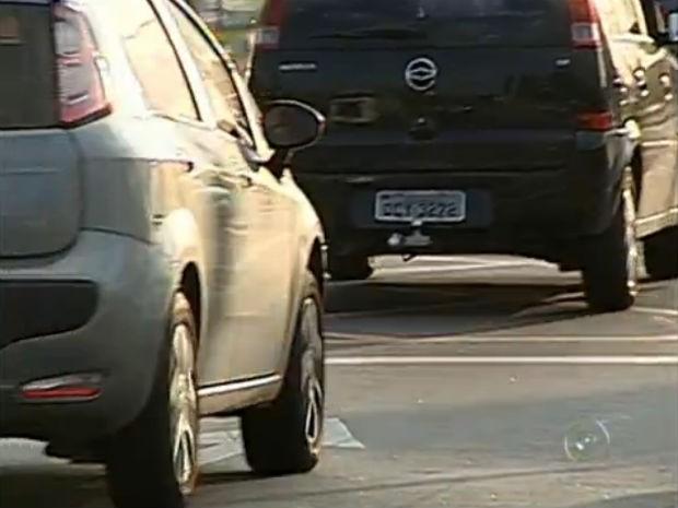 328 motoristas tiveram os seus carros roubados nos primeiros quatro meses deste ano (Foto: Reprodução/TV Tem)
