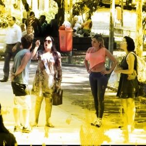 Mulher é assediada na rua em cena  do 'Vai fazer o quê?' (Rede Globo)