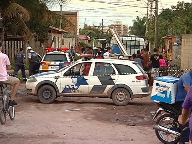 Moradores do bairro Morada da Barra tentaram espancar o homem. (Foto: Reprodução/TV Gazeta)