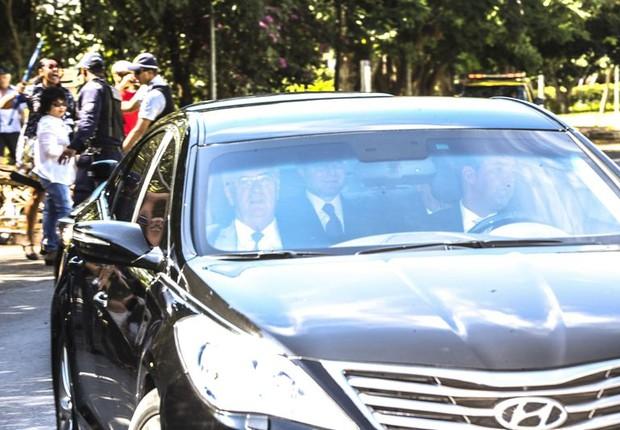O ex-presidente Luiz Inácio Lula da Silva chega para depor na Lava Jato em Brasília (Foto: Marcelo Camargo/Agência Brasil)