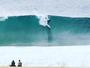 """Maya Gabeira pega ondas grandes em Nazaré e posta: """"Que lugar mágico"""""""
