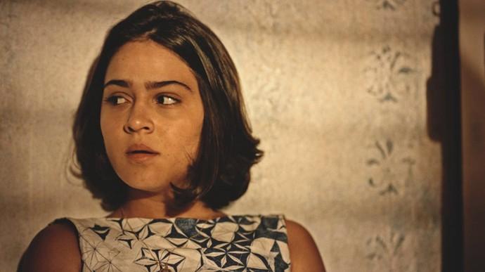 Olívia fica assustada com as palavras da mãe (Foto: TV Globo)