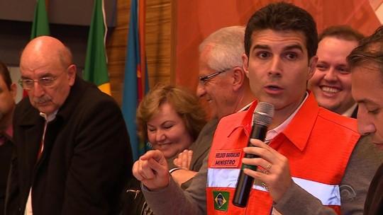 Moradores cadastrados no Bolsa Família em cidades em emergência receberão benefício antes do fim do mês no RS