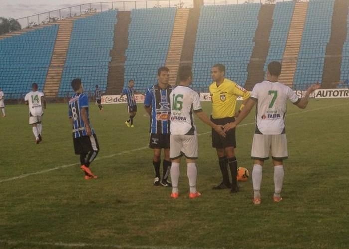 Com vitoria sobre o Betim, Porto assume liderança do grupo (Foto: Wilkson Tarres/Globoesporte.com)