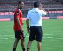 Novo capitão, Roger Carvalho já se sente em casa no Atlético-GO