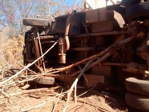 Carrro-forte foi atacado por homens armados (Foto: Jadiel Luiz/Blog Sigi Vilares)
