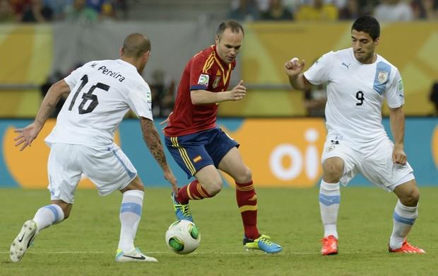 Iniesta, Espanha x Uruguai (Foto: AFP)