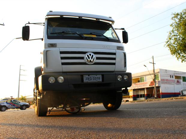 Caminhão prestava serviço para empresa Manaus Limpa (Foto: Jamile Alves/G1 AM)