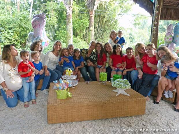 Xuxa, as ex-paquitas e seus filhos (Foto: TV Globo / TV Xuxa)