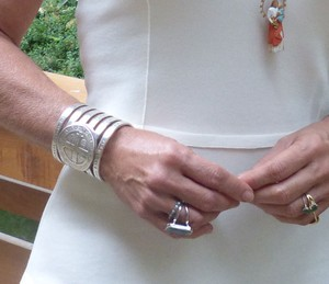 Bracelete de São Bento da apresentadora (Foto: Letícia Souza/Gshow)