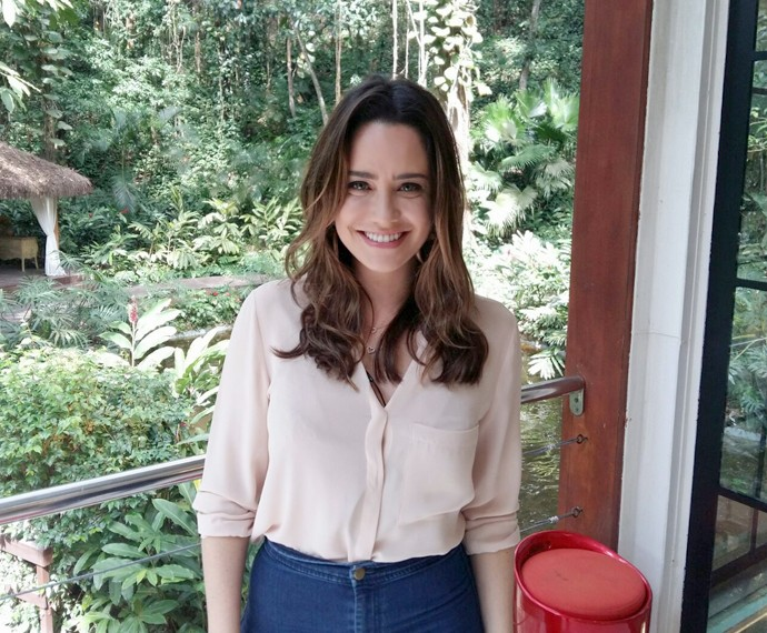 Fernanda Vasconcellos posa nos bastidores do Mais Você (Foto: Priscilla Massena/Gshow)