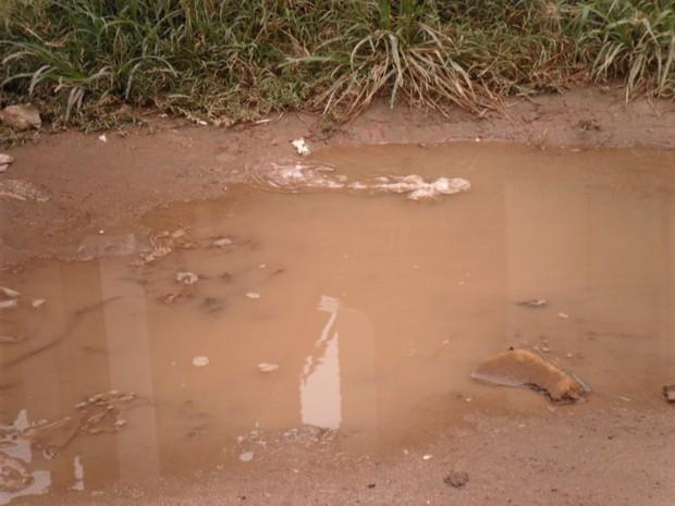 Falta de pavimentação na Travessa Bela Vista é um transtorno, segundo os moradores (Foto: Arquivo pessoal)