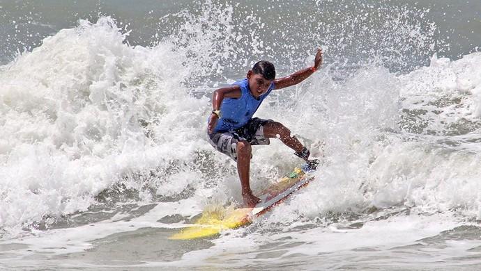 Alysson Matheus Circuito Dore Surf Kids (Foto: Divulgação)