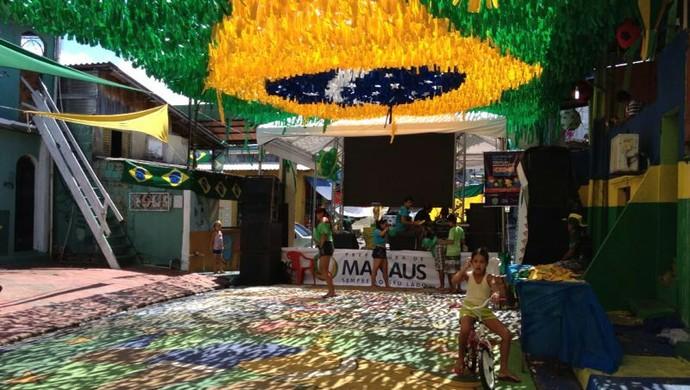 Rua Santa Isabel, na Vila da Prata, em Manaus (Foto: Bruno Willemon)