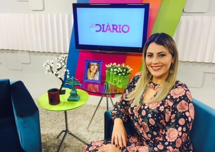 Jessica Leão na apresentação do 'Mais Diário' deste sábado (28)  (Foto: Reprodução / TV Diário )