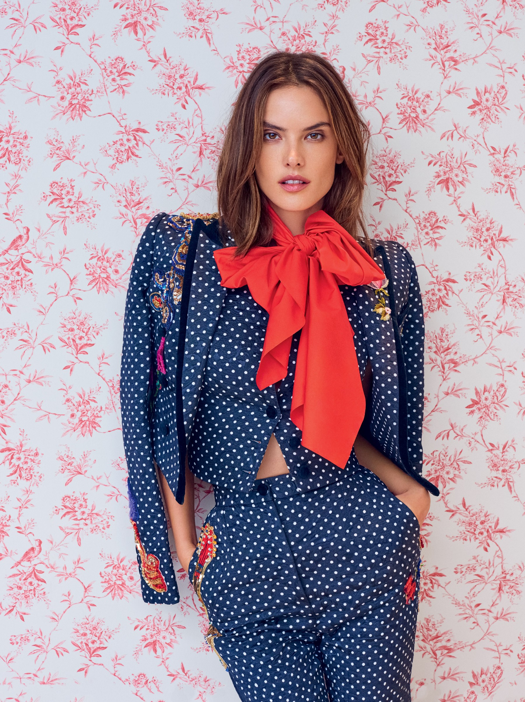 Alessandra Ambrósio na Vogue de abril (Foto: Vogue Brasil)