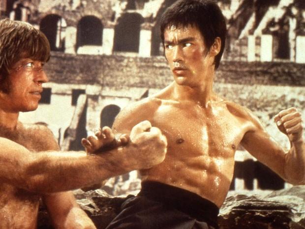 Chuck Norris e Bruce Lee em 'O voo do dragão' (Foto: Divulgação)